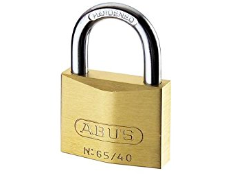 Improving the safety of a padlock